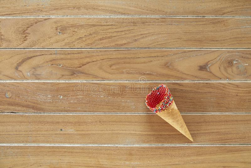 Plano-endecha del cono del dulce de la galleta ilustración del vector