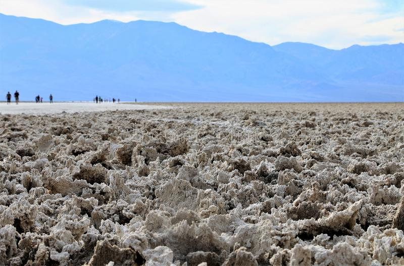Planos de sal da bacia de Badwater no Vale da Morte foto de stock royalty free