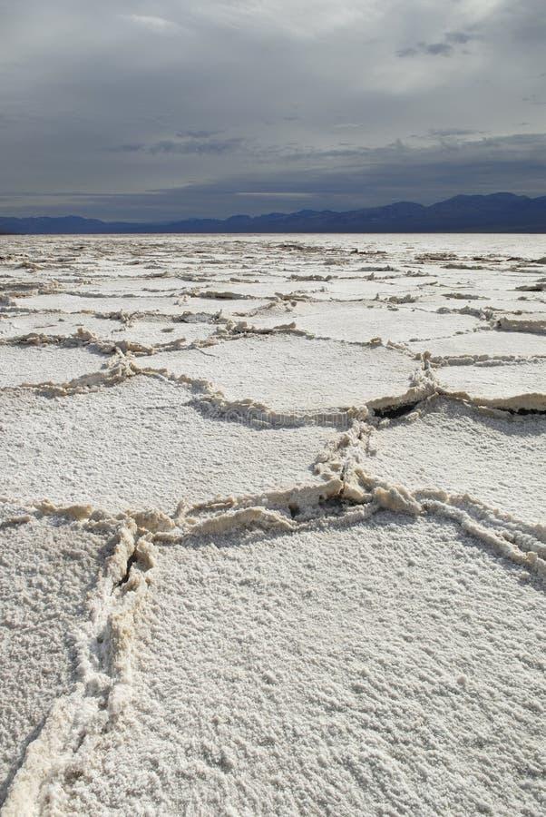 Planos de sal em Badwater em Death Valley imagem de stock royalty free