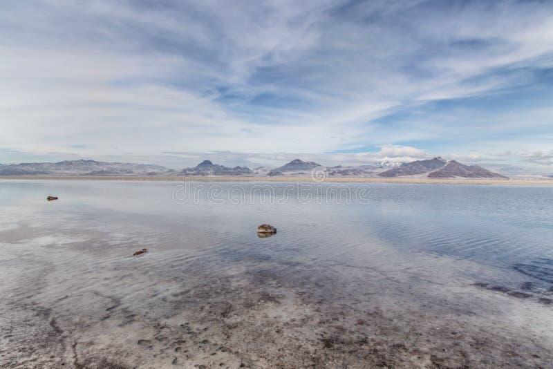 Planos inundados de sal de Bonneville em Utá, EUA. fotos de stock