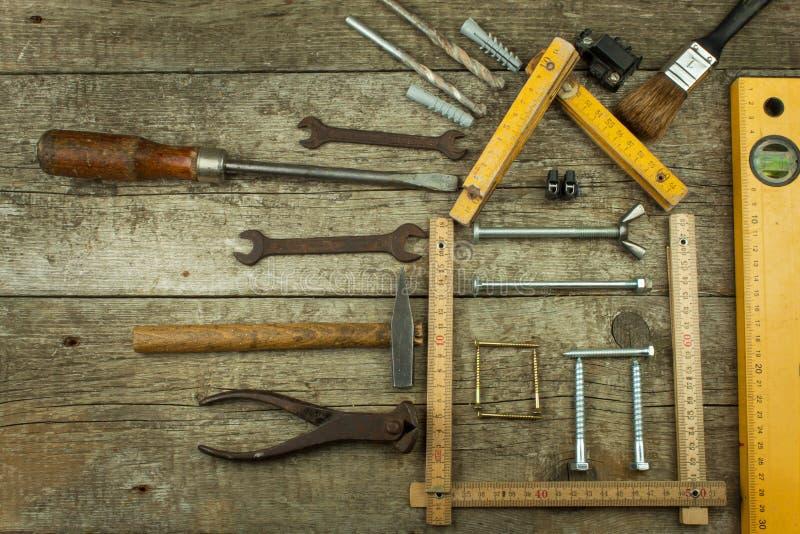 plans pour construire une maison fond en bois rustique outils pour des constructeurs architecte. Black Bedroom Furniture Sets. Home Design Ideas