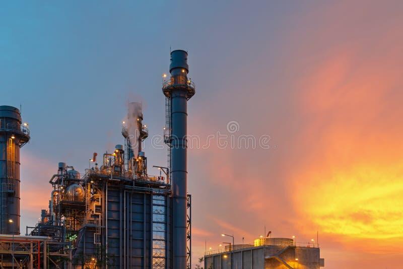 Planta da construção da refinaria de petróleo e canteiro de obras imagem de stock