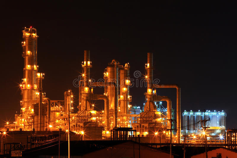 Planta da refinaria de petróleo fotografia de stock
