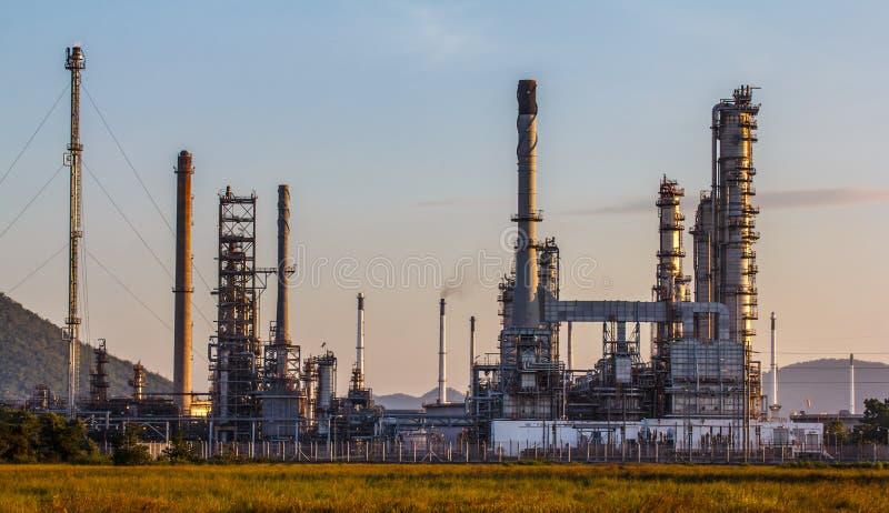 Planta de la refinería de petróleo fotos de archivo