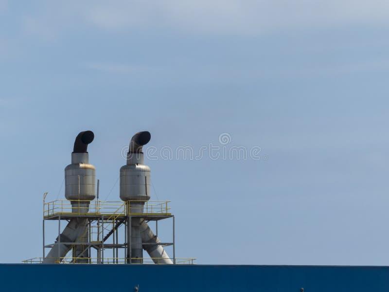 Planta de tratamento da água do oceano da osmose para a dessanilização imagem de stock royalty free