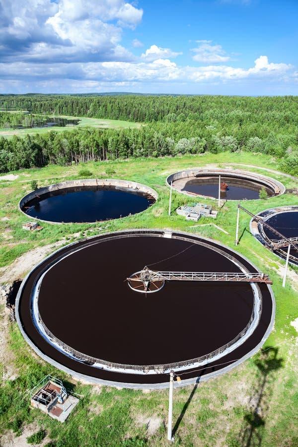 Planta de tratamento de águas residuais industrial foto de stock royalty free