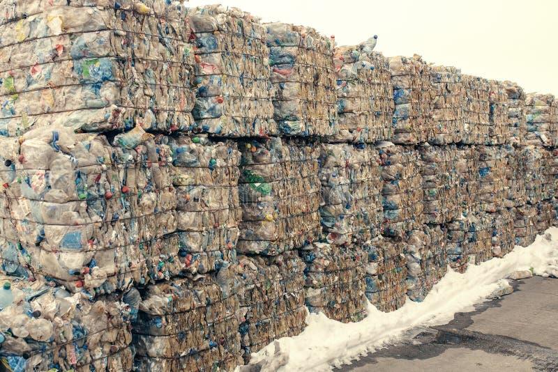 Planta de tratamiento inútil Proceso tecnológico Reciclaje y almacenamiento de la basura para la disposición adicional Negocio pa imagenes de archivo