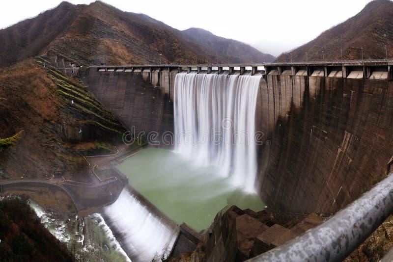 Planta hidroeléctrica imagen de archivo