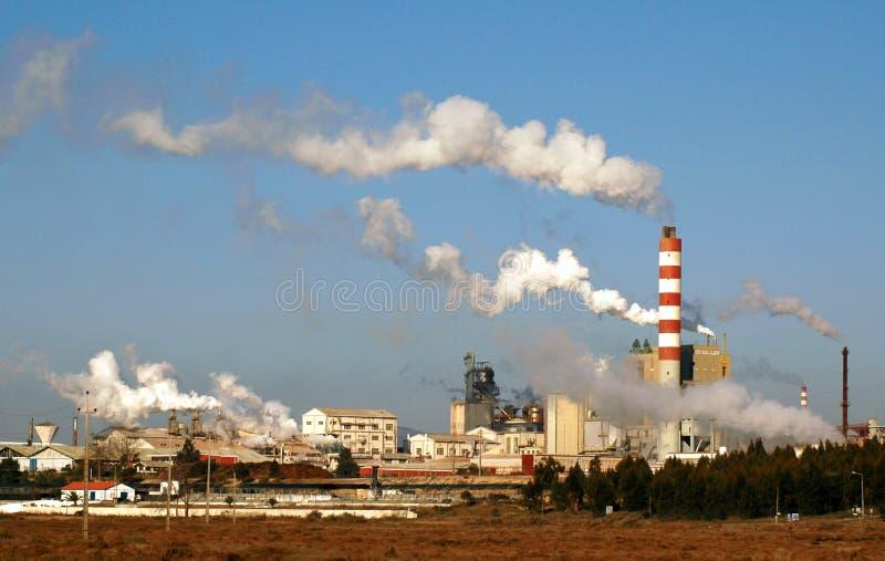 Download Planta industrial foto de stock. Imagem de excepto, fábrica - 527422