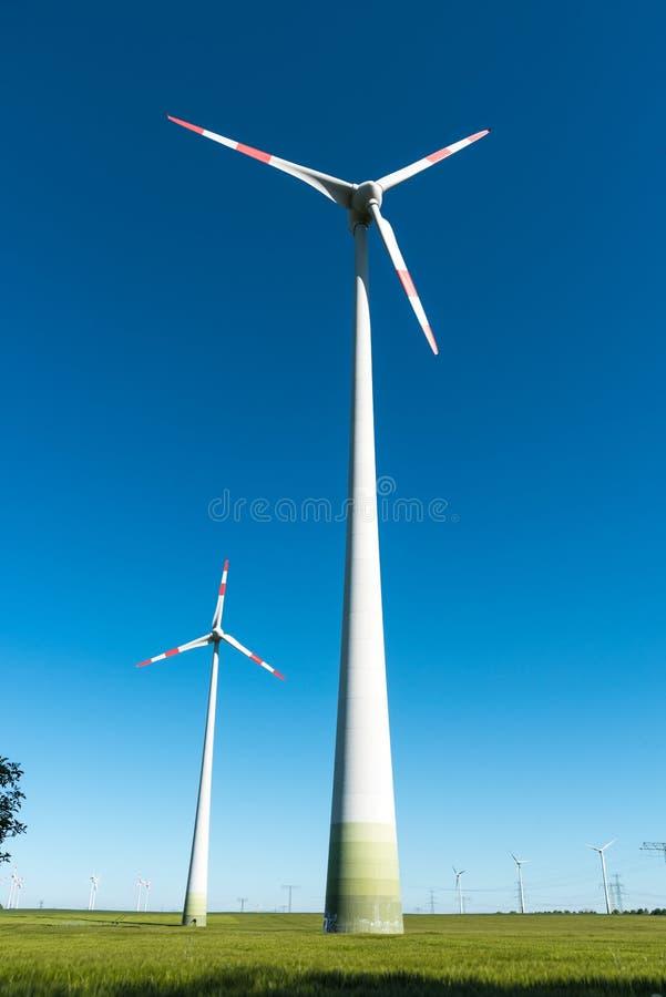 planta Moinho de vento-posta vista em Alemanha fotos de stock
