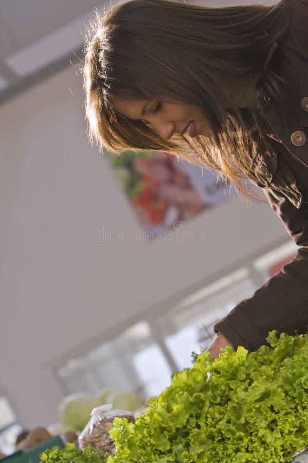 Plantaardige markt-groene sla stock fotografie