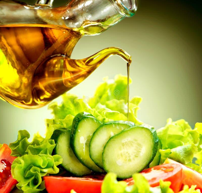 Plantaardige Salade met Olive Oil Dressing royalty-vrije stock afbeelding