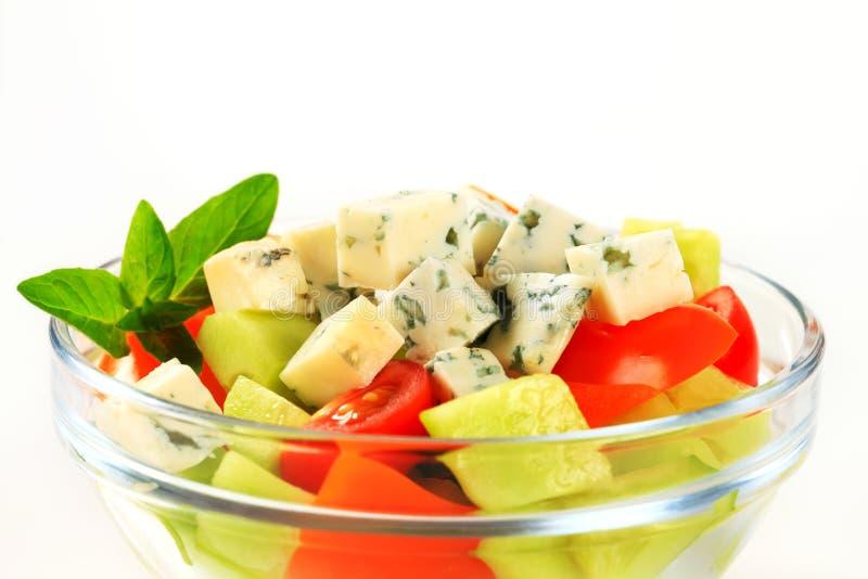 Plantaardige salade met schimmelkaas royalty-vrije stock afbeelding