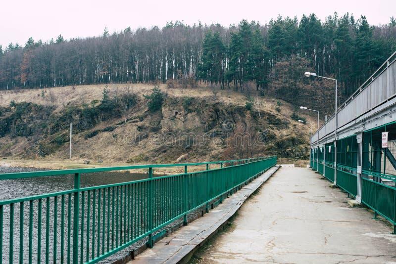 Plantas de energias hidráulicas velhas fotografia de stock royalty free