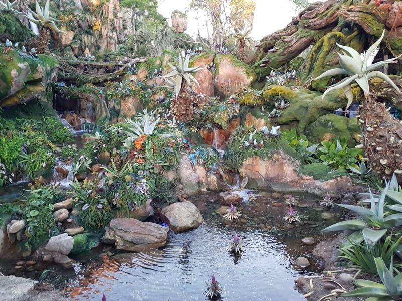 Plantas multicoloras por la charca en Pandora imágenes de archivo libres de regalías