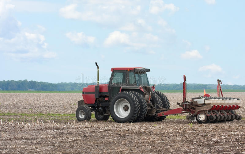 plantera traktoren royaltyfri bild