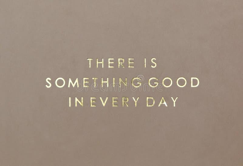 Plantilla creativa inspiradora del cartel de la cita de la motivación Letras creativas del oro de la plantilla del cartel de la c fotografía de archivo libre de regalías