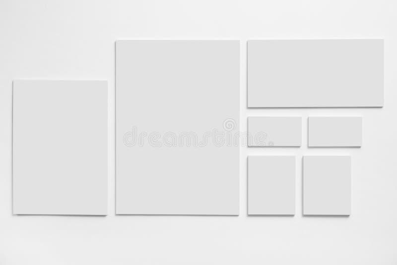 Plantilla gris de la maqueta de los efectos de escritorio en blanco fotos de archivo libres de regalías