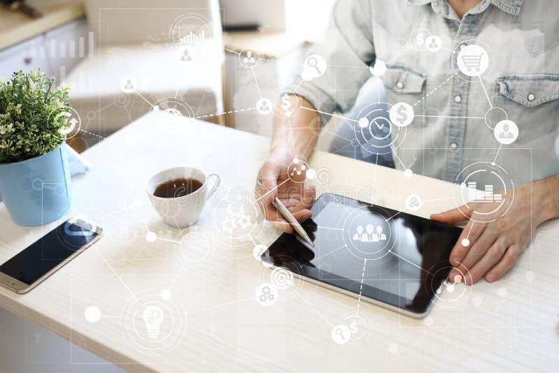 Plantilla para el texto, fondo de pantalla virtual con los iconos Negocio, tecnología de Internet y concepto del establecimiento  foto de archivo libre de regalías
