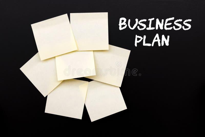 Planu Biznesowego tekst z żółtymi krępymi notatkami fotografia stock