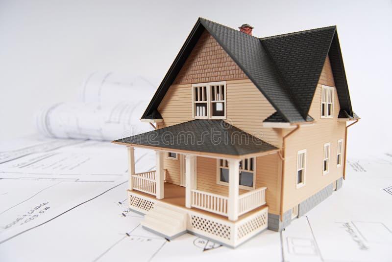 Planung, ein Haus aufzubauen lizenzfreie stockfotografie