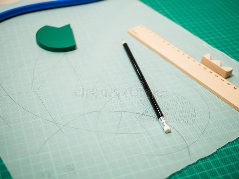 Planung: Transparentpapier und Planungsversorgungen stockfotos