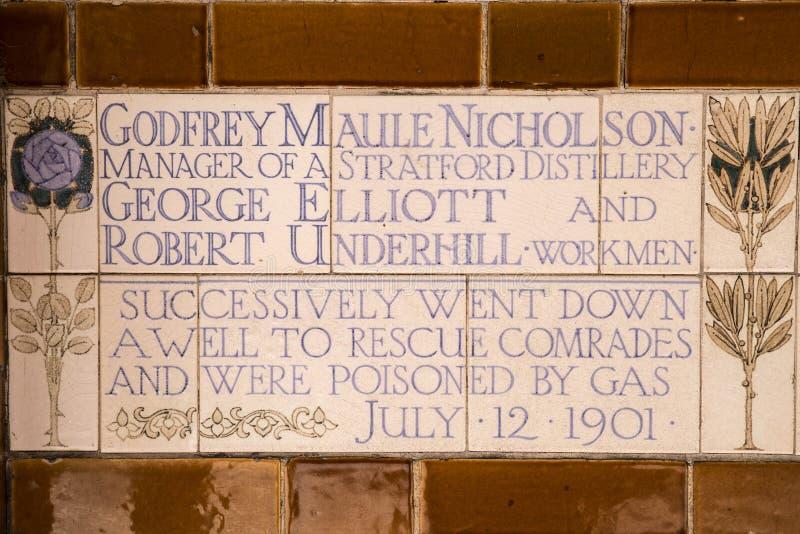 Plaque au mémorial au dévouement héroïque à Londres images stock