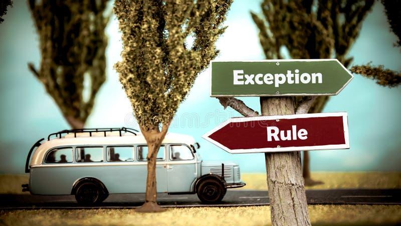 Plaque de rue ? l'exception contre la r?gle image libre de droits