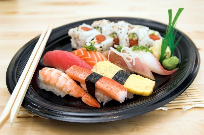 Download Plaque de sushi photo stock. Image du gourmet, crabe, sauce - 736446