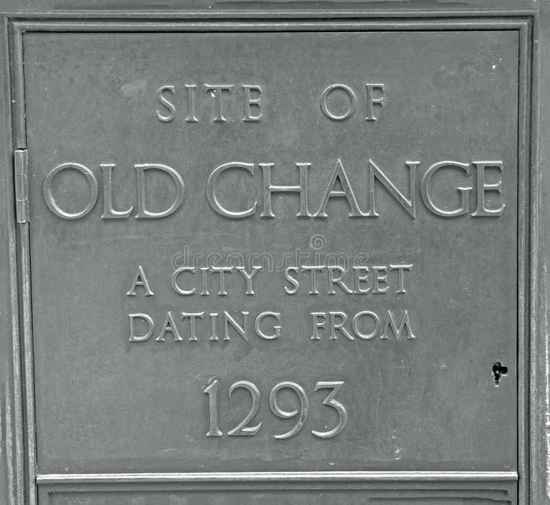 Plaque die de plaats van Oude Verandering een stadsstraat van 1293 tonen royalty-vrije stock fotografie