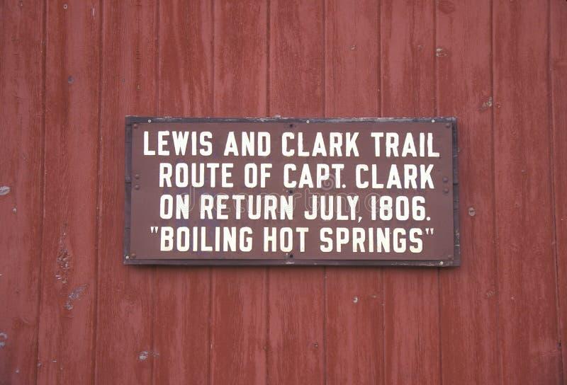 plaque die de sleep van Lewis en van Clark in de Kokende Hete Lentes herdenken, MT stock foto's