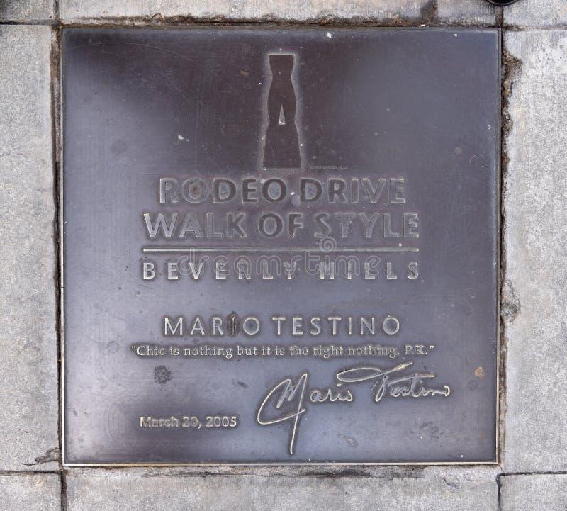 Plaque die Manierfotograaf Mario Testino eren royalty-vrije stock afbeeldingen