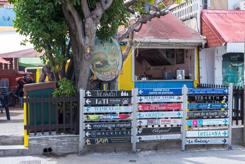 Plaques de rue dans le ` s de St Bart images libres de droits