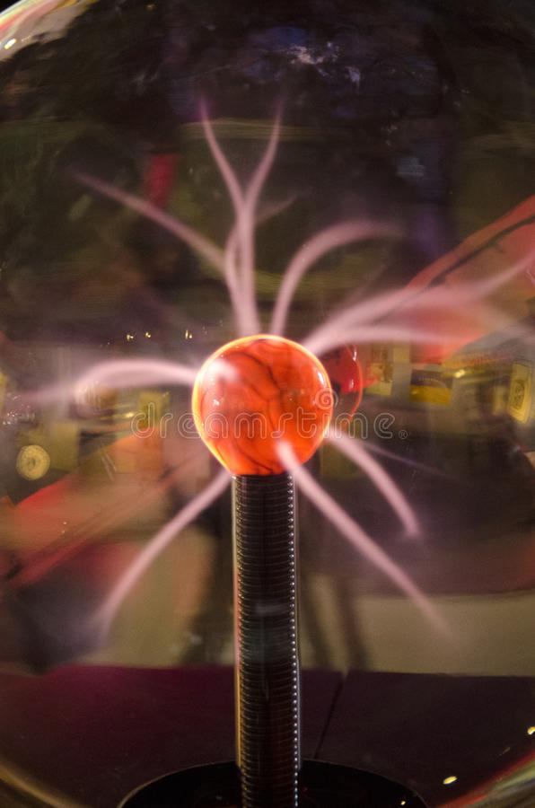 Plasmaboll eller plasmajordklot royaltyfria bilder