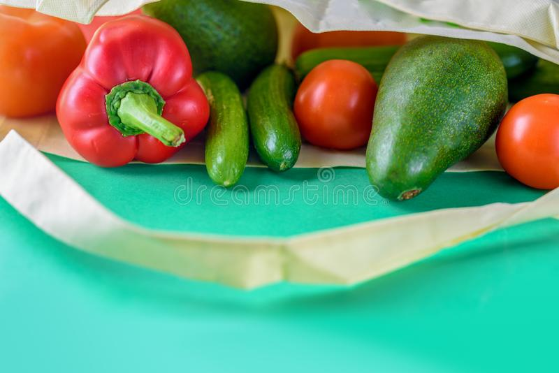 Plast- fri shopping Organiska produkter f?r b?nder royaltyfri fotografi