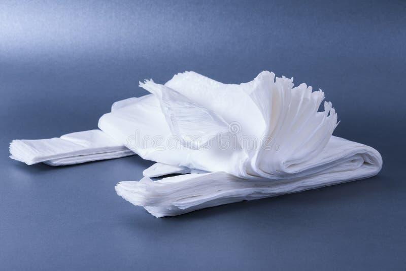 Plast- hoprullad påse royaltyfria bilder