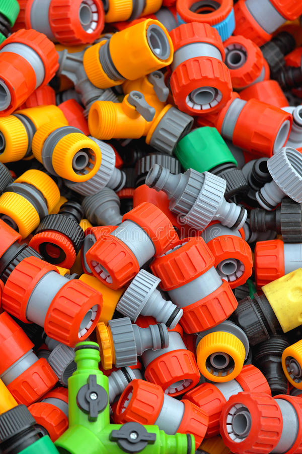 Plast- slangmonteringar arkivbild