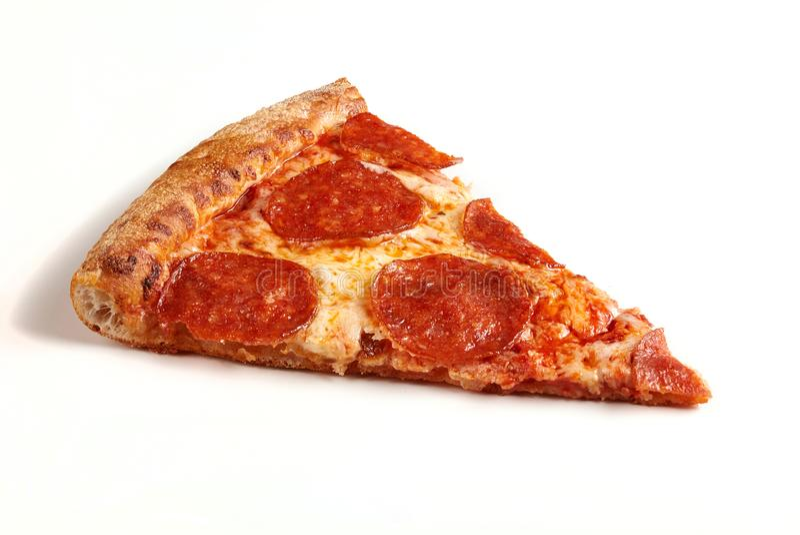 Plasterek klasyczna oryginalna Pepperoni pizza odizolowywająca na białym tle zdjęcia stock