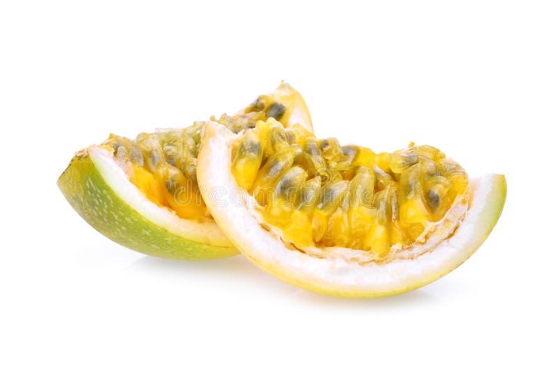 Plasterek pasyjna owoc z ziarnami, tropikalna owoc odizolowywająca zdjęcie royalty free