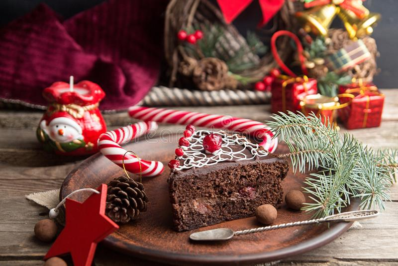 Plasterek słodki czekoladowy tort dla wigilii zdjęcie royalty free