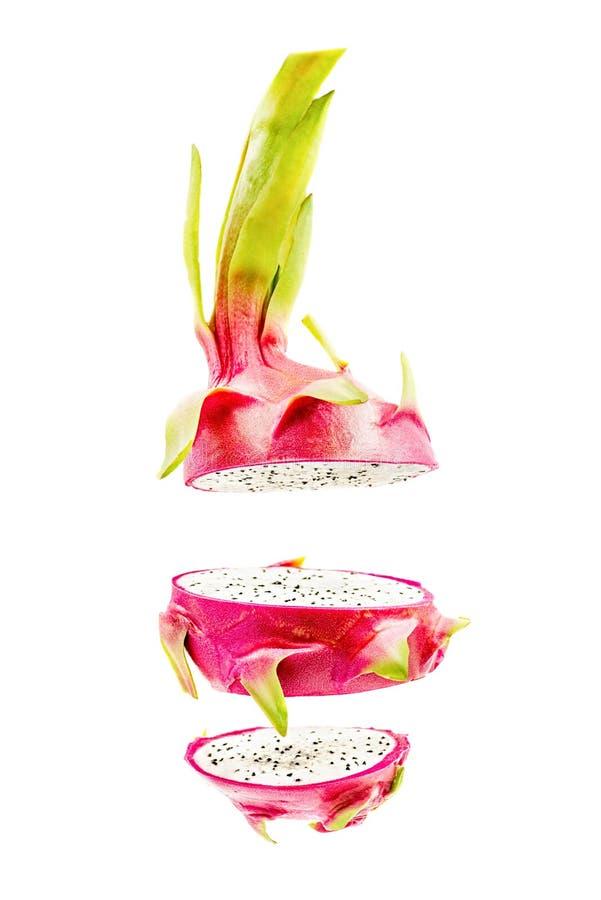 Plasterki czerwień i bielu smoka owoc lub pitaya odizolowywający na białym tle zdjęcia royalty free