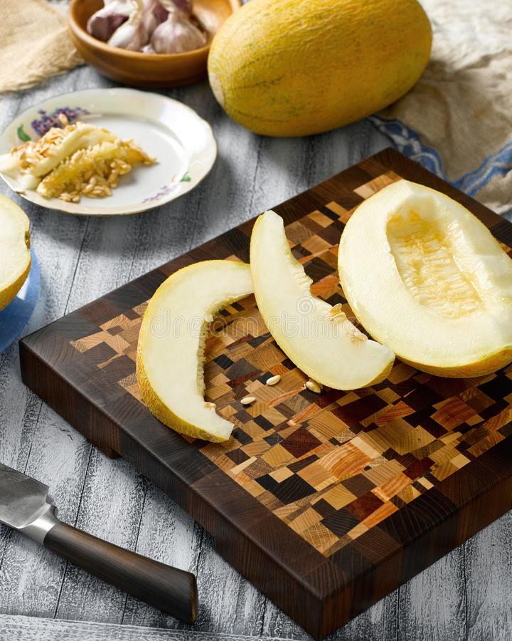 Plasterki soczysty dojrzały melon obrazy royalty free