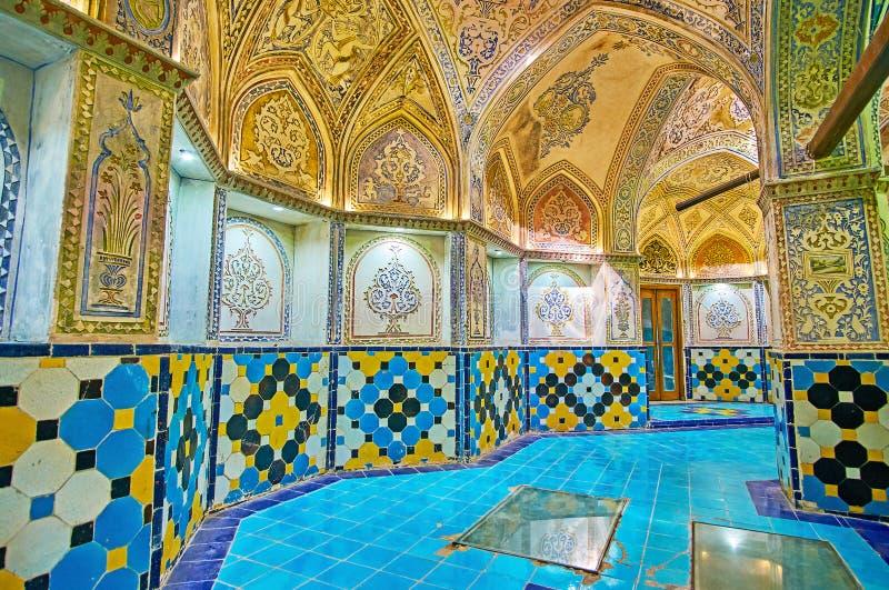 Plasterworken i Qasemi Sultan Amir Ahmad Bathhouse, Kashan, royaltyfria bilder
