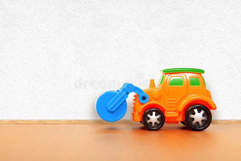 Plastic auto op de vloer royalty-vrije stock foto's