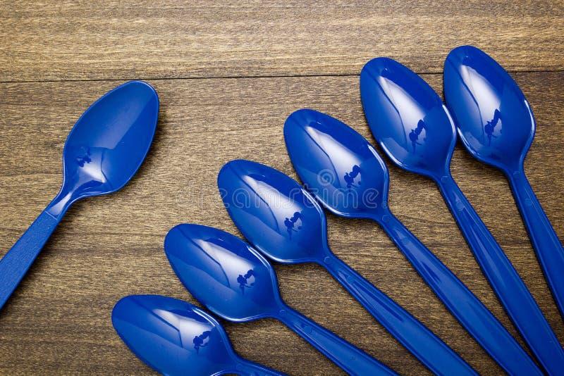 Plastic beschikbare lepel stock foto