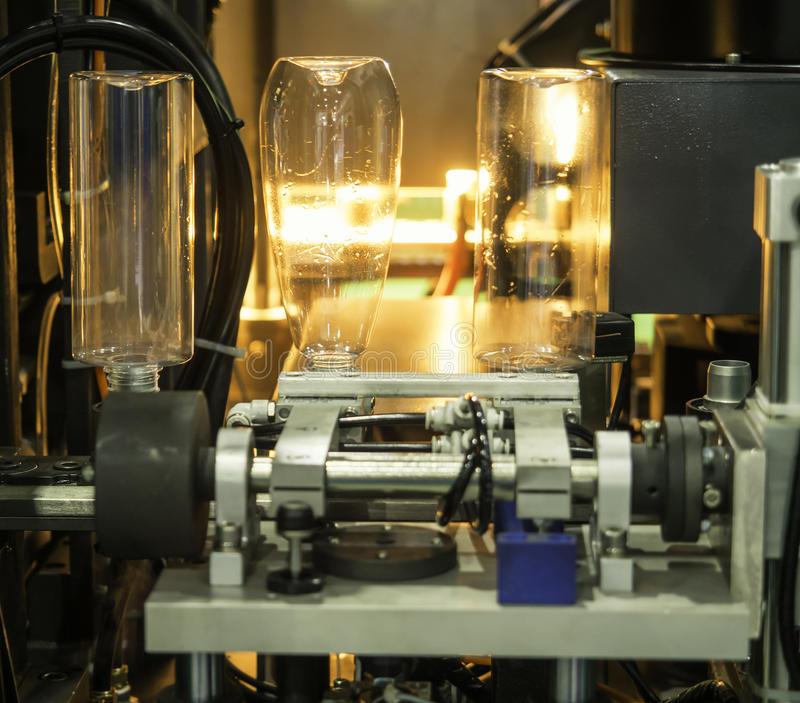 Plastic flessen hete slag productie royalty-vrije stock foto's