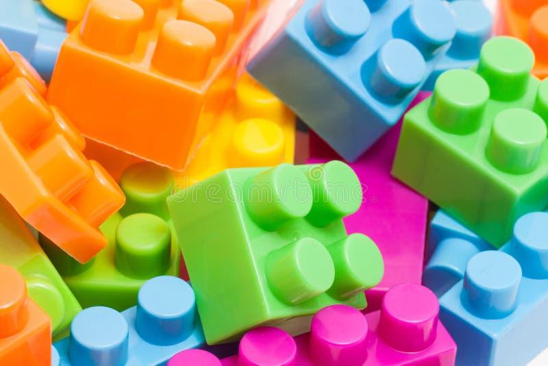 Plastic stuk speelgoed bakstenen stock afbeelding