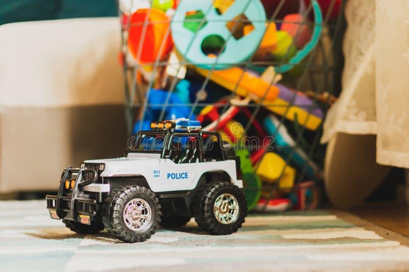 Plastic stuk speelgoed voertuig stock foto's