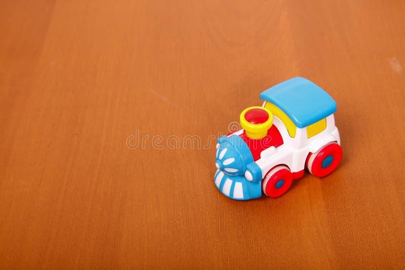 Plastic trein op de vloer royalty-vrije stock foto's