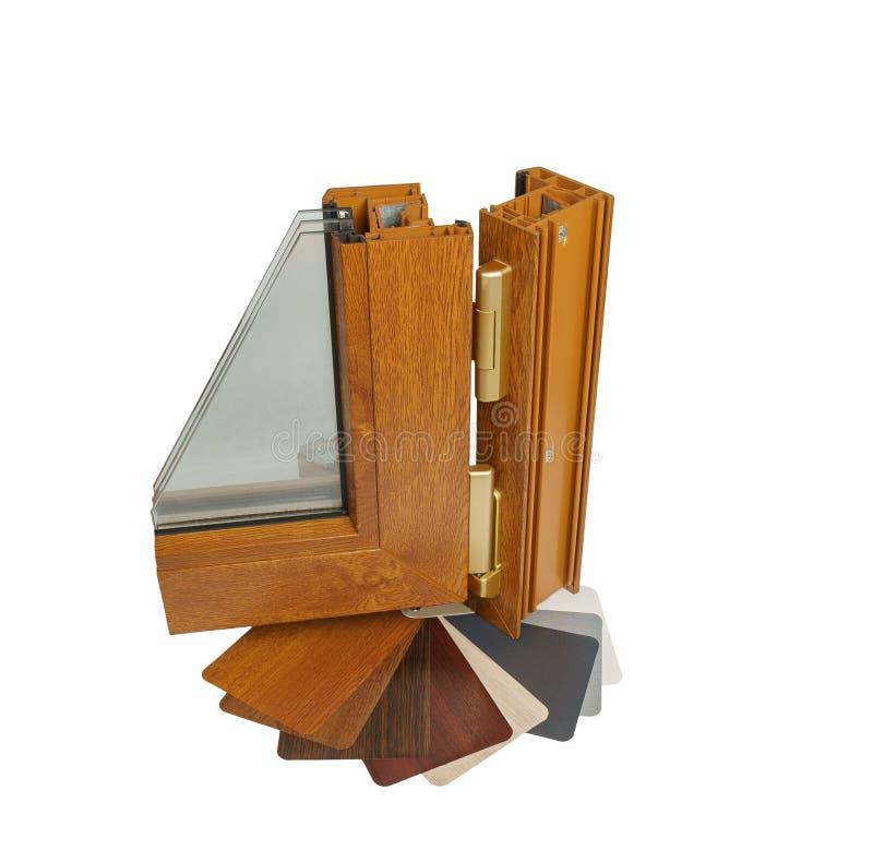 Plastic vensterprofiel Vensterssectie met drievoudige verglazing stock foto